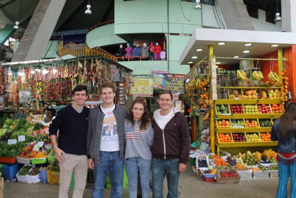 Visitando el mercado de Surquillo (Lima)
