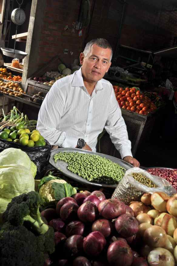 Carlos en Mercado V1