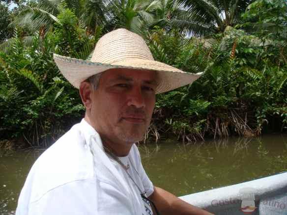 Carlos en uno de sus viajes de investigación